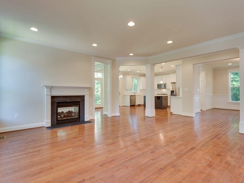 7718 Lisle Ave Falls Church VA-MLS_Size-027-Family Room-2048x1536-72dpi