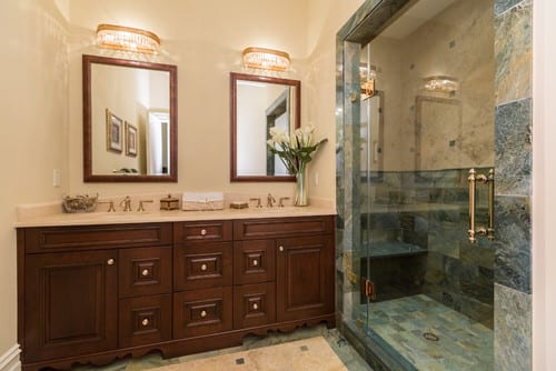 Langley Forest_bathroom2