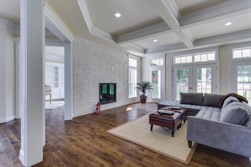 Holmes -016-Living Room